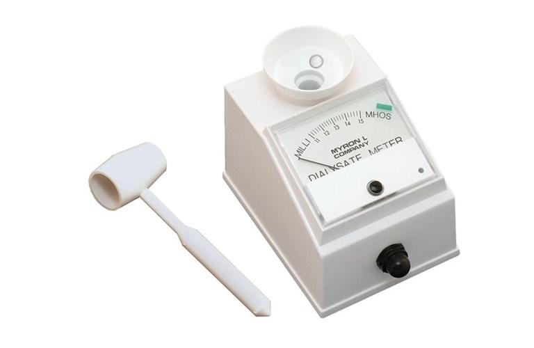 Myron L Conductivity Meter : Myron d l ds meter tequipment